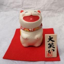 Belly laughing Cat -Buchi